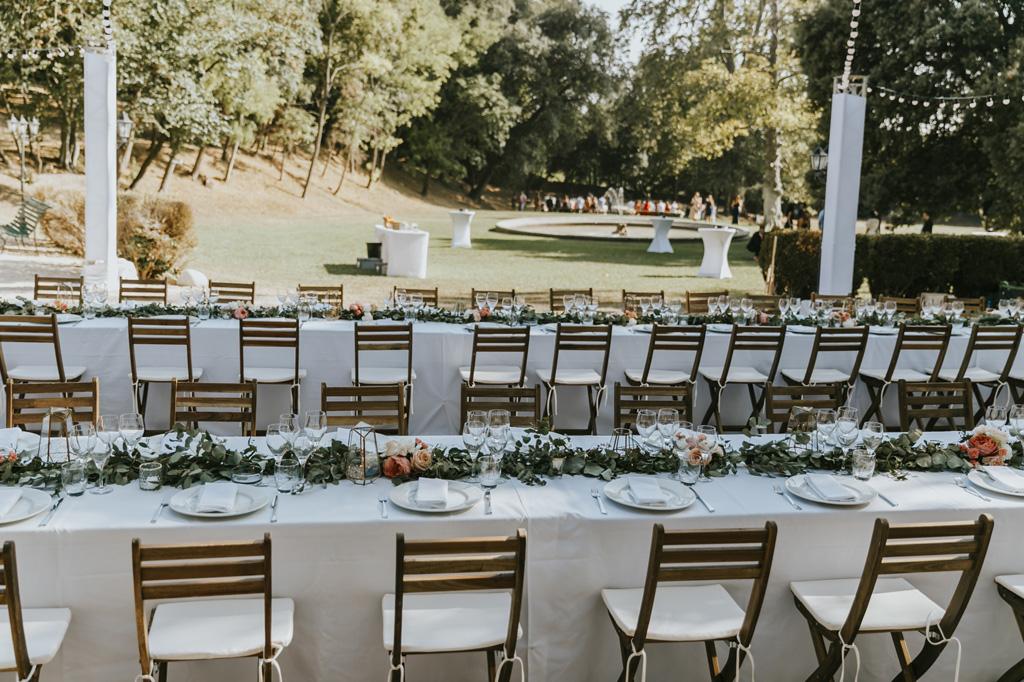 reception-mariage-marseille-chaise