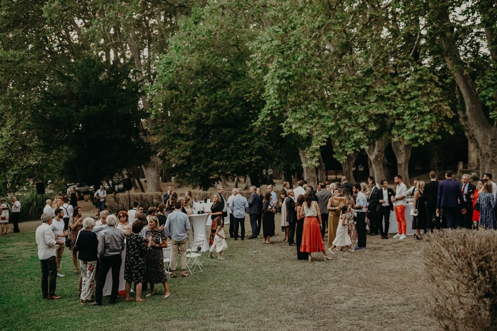 reception-mariage-marseille-convive